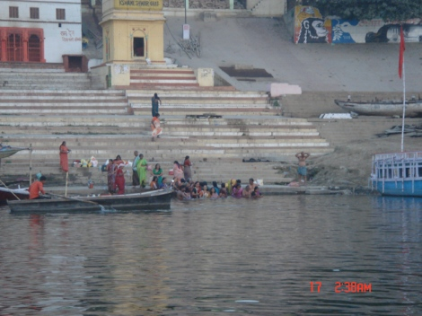 bathers on Ghats