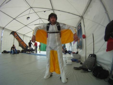 Marius Duta in Wingsuit
